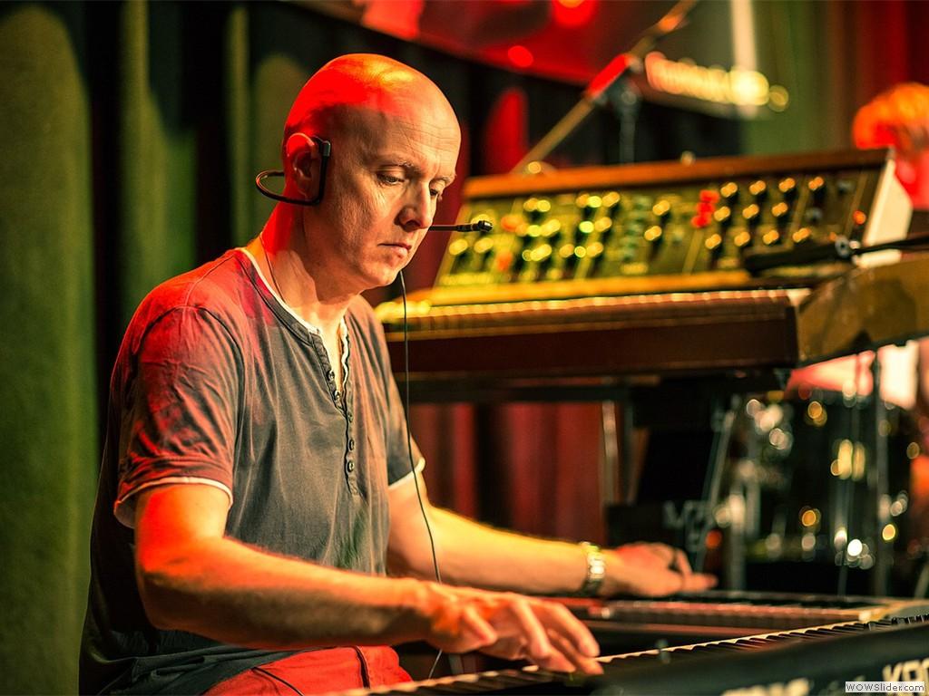 Thomas on keyboards
