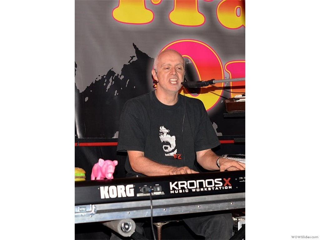 Thomas Jung - keyboards